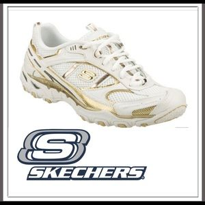 ⭐️NWB Skechers Livewire Revive